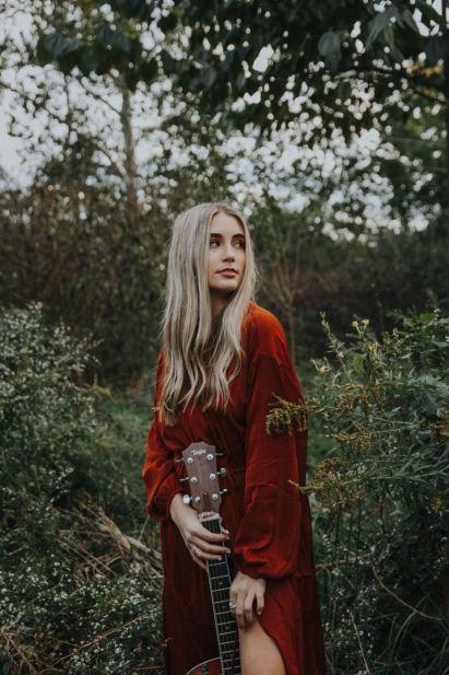 Chloe Gilligan x Heirwaves